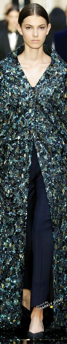 Givenchy Fall 2018 Couture #givenchy #runway2018 Capes, Outfits Spring, Couture Fashion, World Of Fashion, Givenchy, Indigo, Autumn Fashion, Ruffle Blouse, Glamour