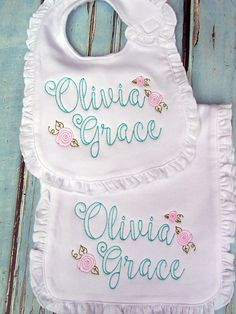 Embroidered Bib and Burp Cloth Set - Baby Girl Gift - Girl Baby Shower Gift - Name Personalized Baby Gift Set - Monogrammed Bib - Monogrammed Burp Cloth Diy Baby Girl Bibs, Baby Burp Rags, Baby Girl Gifts, Baby Bibs, Baby Girl Letters, Baby Monogram, Monogram Shop, Personalized Baby Gifts, Newborn Baby Gifts