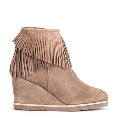 #zapatos #botín #plataforma #flecos de la nueva colección #AW de #pedromiralles en color #beige #shoponline