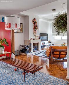 09-decoracao-sala-estar-tapete-azul-estampado-plantas
