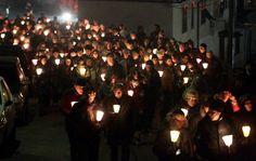 #Arcola si illumina per Andrea Calevo:   un corteo silenzioso, 1500 persone in marcia per la liberazione del giovane imprenditore.