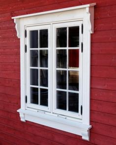 Classic House Design, House Front Design, My Home Design, Cottage Windows, House Windows, Bay Window Exterior, Cottage Paint Colors, Baseboard Styles, Porch Interior