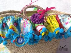 Items similar to Unique Portuguese straw bag on Etsy Straw Handbags, Diy Purse, Wire Baskets, Patch, Straw Bag, Arts And Crafts, Weaving, Beach Bags, Unique