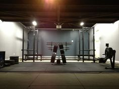 Awesome Rogue Fitness outfitted garage gym