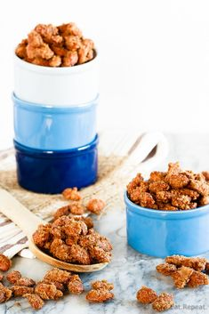 5 minutes of prep time plus one hour of baking equals completely addictive, crunchy, candied almonds. The best kind of snack! Cinnamon Sugar Almonds, Candied Almonds, Holiday Baking, Christmas Baking, Christmas Stuff, Christmas Cookies, Sweet Recipes, Dog Food Recipes, Candy Recipes