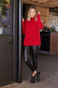 Red oversized turtleneck, black leather leggings and black booties. holiday outfit, holiday look, christmas outfit, new years eve outfit, fashion 2018, party outfit, #holidaystyle #partystyle #holidayoutfit #fbloggerstyle #bloggerstyle #fashionpost #holidays