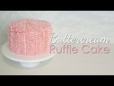 ▶ Buttercream Ruffle Cake Tutorial - YouTube Worth to see it... so far this is the best tutorial on ruffle cake, and I've seen many.  Raysa Santo Domingo