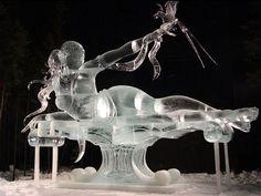 Los mejores escultores de hielo de todo el mundo se dan cita en Fairbanks, Alaska, EU, para demostrar su destreza en The World Ice Art Championshipsy crear esculturas gigantescas de hielo puro. Su…