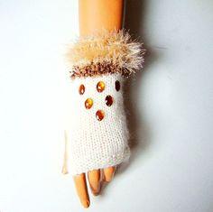 İvory Winter gloves  İvory Fingerless Knitted Half by RoseAndKnit