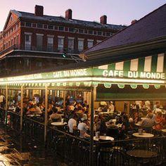 Caf� Du Monde; New Orleans, LA