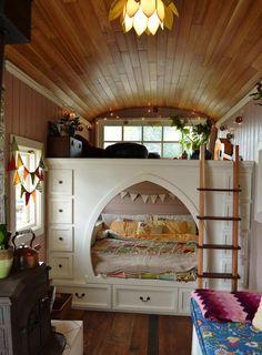 Ce couple a transformé un bus scolaire en une habitation mobile de rêve                                                                                                                                                                                 Plus