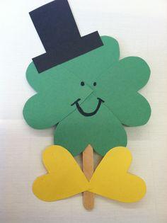 St. Patrick's Day Craft   http://brooke-sunshinesparkles.blogspot.com/2012/02/st-patricks-day.html