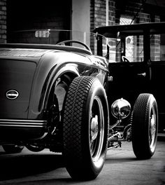 Visit The MACHINE Shop Café... ❤ Best of Hot Rod @ MACHINE ❤ (Cool looking 1932 Ford Roadster)