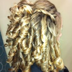 this pageant hair deserves an Ultimate Grand Supreme crown to hold!
