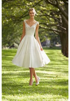 New Arrival Lace V-Neck Short A-Line Wedding Dresses Real Made On Sale (WD0082)