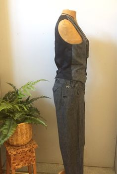 suit/vest/ high wasted pants/by X-it by WifinpoofVintage on Etsy High Wasted Pants, Suit Vest, 80s Fashion, Unique Vintage, Vintage Shops, Tweed, Overalls, Legs, Suits