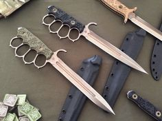 Military Knives, Combat Knives, Military Guns, Anime Weapons, Weapons Guns, Swords And Daggers, Knives And Swords, Club Weapon, Benchmade Knives