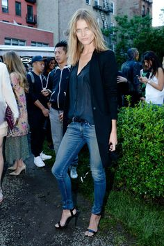 Malgosia Bela looking sultry in skinnies and a long blazer. #NYC