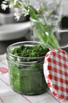 Pesto z czosnku niedzwiedziego Happy Foods, Preserves, Pesto, New Recipes, Food Porn, Homemade, Vegetables, Cooking, Healthy