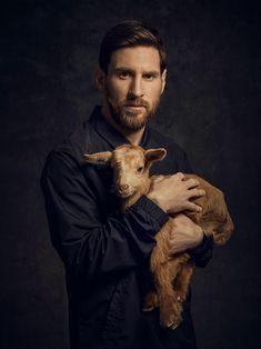 Fc Barcelona Players, Fcb Barcelona, Lionel Messi Barcelona, Barcelona Football, Messi Soccer, Soccer Guys, Argentina Football Team, Soccer Images, Lionel Messi Wallpapers