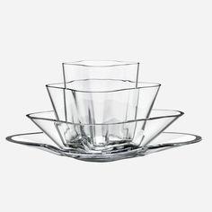 Alvar Aalto Iittala Aalto-flower (kukka) vase 180 x 360 mm, clear glass Finland Alvar Aalto, Glass Flower Vases, Flower Bowl, Decorative Objects, Decorative Bowls, Clear Glass, Glass Art, Architecture Organique, Shops