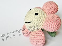 Amigurumi flower stuffed toy crochet pattern pdf door ByMarika
