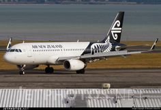 Airbus A320-232, Air New Zealand, ZK-OXC. cn 5847, 171 passengers, first flight 13.11.2013, Air New Zealand delivered 22.11.2013. Active, for example 26.9.2016 flight Auckland - Queenstown. Foto: Auckland, New Zealand, 15.2.2015.