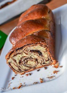 Cozonac polonez cu ciocolata (Babka) Banana Bread, Desserts, Sweet, Recipes, Office Chairs, Breads, Poland, Bakken, Tailgate Desserts