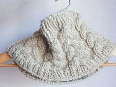 Patrón de punto #Cuello trenzado con #KatiaYarns Big Merino por @olann Knitted Shawls, Crochet Shawl, Crochet Baby, Knit Crochet, Knitting Patterns Free, Free Knitting, Crochet Patterns, Knitting Accessories, Knitting Projects