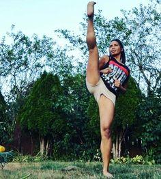 Her Calves Muscle Legs: Elastic Aesthetic Legs Female Martial Artists, Martial Arts Women, Mixed Martial Arts, Female Art, Taekwondo, Belle Nana, Karate Girl, Warrior Girl, Military Women