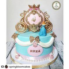 #Repost @springbloomcakes ・・・ Cinderella carriage cakeRecreated the picture…