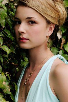 Emily VanCamp: my fave REVENGE girl