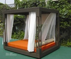 DELUXE OUTDOOR RATTAN BEDROOM
