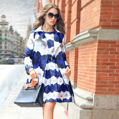 2014 New Winter Blue Daisy Printed Long Sleeved Suit Collar Womens Elegant Slim Windbreaker Jacket