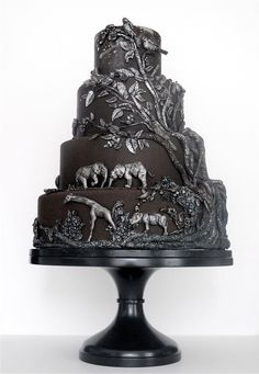 Black and silver African safari wedding cake. The most stunning stunning wedding cake ever Gorgeous Cakes, Pretty Cakes, Cute Cakes, Amazing Cakes, Beautiful Desserts, It's Amazing, Crazy Cakes, Fancy Cakes, Safari Cakes