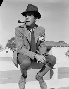 Humphrey Bogart, cool dude, pipe smoker.