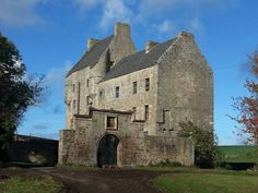 Falkland, Scotland - the location that will serve as Lallybroch (from Heughan Unzipped)