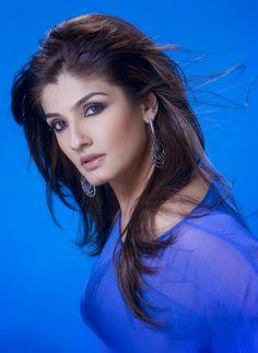 Hindi Actress, Bollywood Actress, Raveena Tandon Hot, Indian Heroine, Vintage Bollywood, Bikini Pictures, Beautiful Indian Actress, Bollywood Celebrities, India Beauty