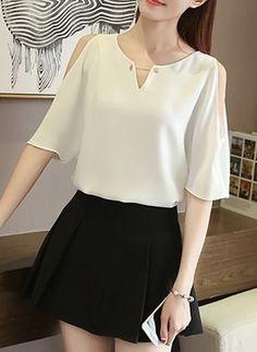 Blouse Styles, Blouse Designs, Girls Fashion Clothes, Fashion Dresses, Sleeves Designs For Dresses, Blouse Outfit, Cute Fashion, Chiffon Tops, Blouses For Women