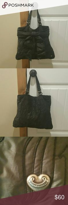 Gently used Juicy Couture bag Black gently you Juicy Couture bag in good condition. Smoke-free house Juicy Couture Bags Shoulder Bags
