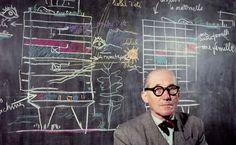 """Frase de Le Corbusier.  """"La arquitectura es el juego sabio, correcto y magnífico de los volúmenes bajo la luz""""."""