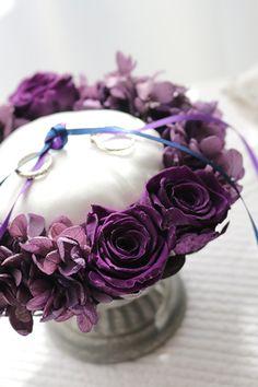 ring pillow purple http://www.fleuriste-glycine.jp/