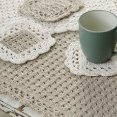 I have personally used this pattern, I loved it then and I love it now. Options Placemat Coaster Crochet Pattern - designed by Marilyn Coleman. Pattern free at Red Heart Yarn. Love Crochet, Crochet Gifts, Crochet Hooks, Knit Crochet, Thread Crochet, Crochet Shawl, Crochet Baby, Crochet Placemats, Crochet Doilies
