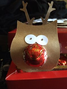 Handmade #CTMH #Cricut Rudolf the red nose reindeer Lindt Treats. Small quick & easy treats for co-workers or little gifts to hand out after the Christmas Party. www.maz.ctmh.com.au