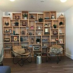 46 Amazing Bookshelves Decorating Ideas For Living Room is part of Bookshelf decor - A delightful home is frequently compared with additional work to keep up its excellence Be that as it may, an […] Diy Home Decor, Room Decor, Pallet Home Decor, Diy Decoration, Pallet Furniture, Repurposed Furniture, Furniture Ideas, Home Projects, Sweet Home