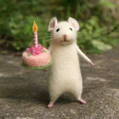 Birthday needle felted mouse White mouse Needle felted animal miniature Birthday gift Home decor - Birthday mouse Needle felt mouse White mouse by DidiDaydream Soft cuddly felt animals - Happy Birthday Images, Happy Birthday Wishes, Birthday Greetings, Birthday Gifts, Birthday Message, Cake Birthday, Birthday Ideas, Happy Birthday Beautiful, Ballerina Birthday