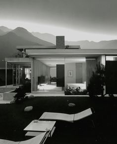 Photo Julius Shulman – Kaufmann House, Palm Springs, CA. 1947, Architect RichardNeutra