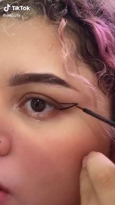 Edgy Makeup, Makeup Eye Looks, Eyeliner Looks, Pretty Makeup, Skin Makeup, Hooded Eye Makeup Tutorial, Makeup Looks Tutorial, Eyeliner Tutorial, Eyeliner For Hooded Eyes