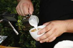 Barista Angelo Corlito von Corlito Caffè im Einsatz. Als Basis-Espresso diente Caffè della Corsa