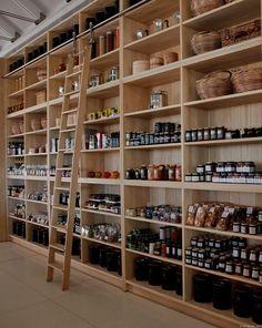 retail shelves deli shop, store interiors ve deli. Tienda Natural, Deli Shop, Retail Shelving, Store Shelving, Pantry Shelving, Farm Store, Boutique Deco, Café Bar, Store Interiors